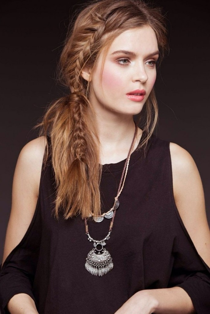 chic side braid