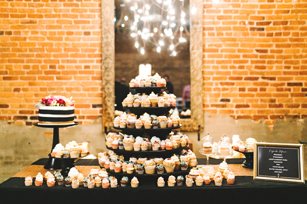 cupcakes - photo by Emily Chidester http://ruffledblog.com/southern-wedding-with-a-gold-sequin-gown