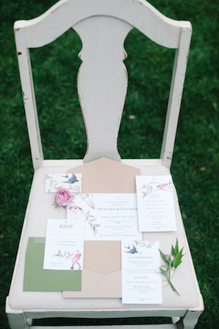 Floral wedding invitations | IYQ Photography | see more on: http://burnettsboards.com/2015/04/earthy-vibrant-wedding-editorial/