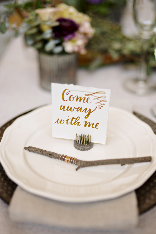 wanderlust table setting - photo: Andie Freeman - http://ruffledblog.com/wanderlust-inspired-wedding-in-los-angeles