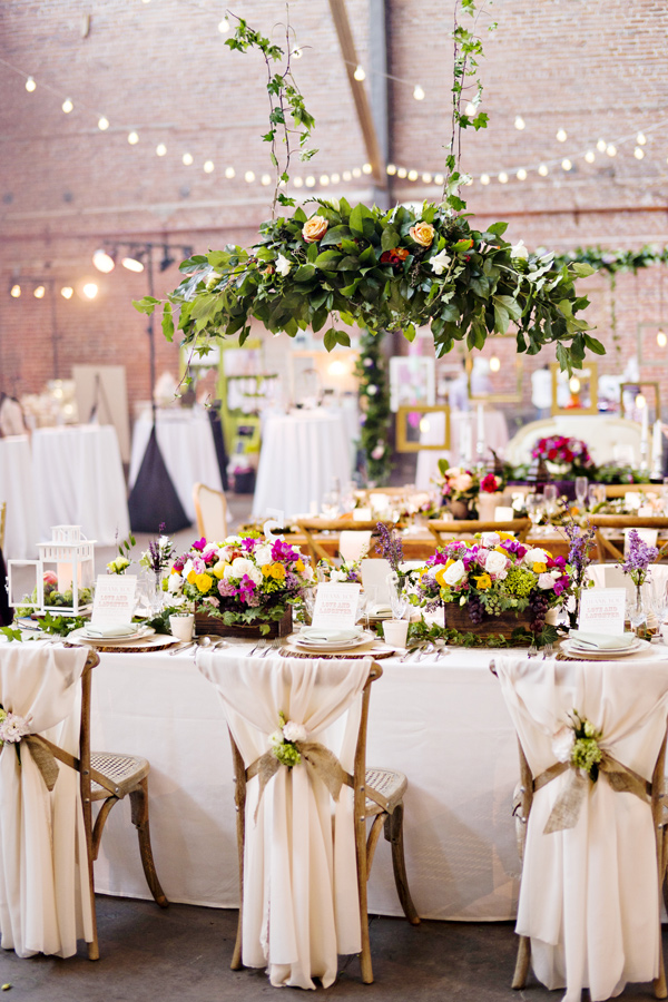 wanderlust wedding inspiration - photo: Andie Freeman - http://ruffledblog.com/wanderlust-inspired-wedding-in-los-angeles