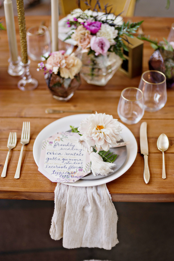 boho wedding table setting - photo: Andie Freeman - http://ruffledblog.com/wanderlust-inspired-wedding-in-los-angeles