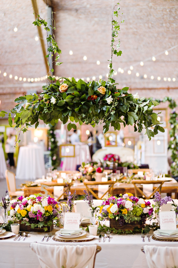 wanderlust wedding inspirations - photo: Andie Freeman - http://ruffledblog.com/wanderlust-inspired-wedding-in-los-angeles