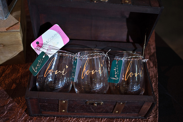 wedding favor ideas - photo: You & Me Photography - http://ruffledblog.com/wanderlust-inspired-wedding-in-los-angeles
