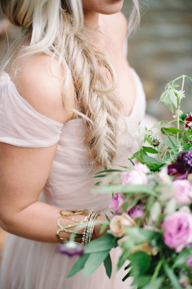 Fishtail braid | IYQ Photography | see more on: http://burnettsboards.com/2015/04/earthy-vibrant-wedding-editorial/