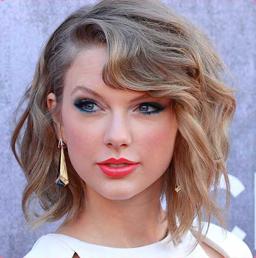 Taylor Swift Short Haircuts For Wavy Curly Hair