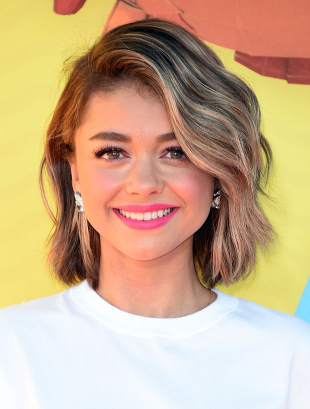 Sarah Hyland at the 2015 Kids' Choice Awards.