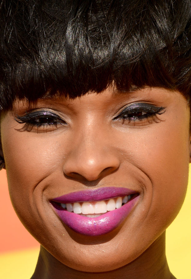 Close-up of Jennifer Hudson at the 2015 Kids' Choice Awards.