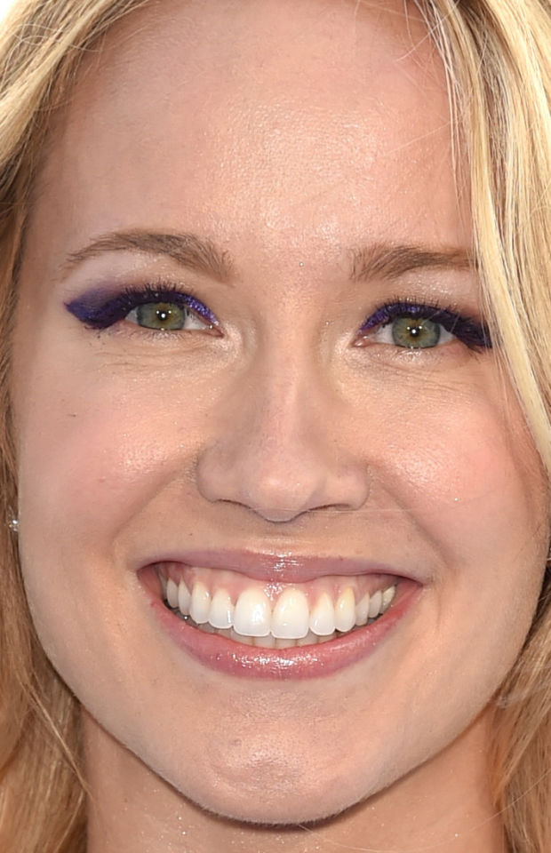 Close-up of Anna Camp at the 2015 MTV Movie Awards.