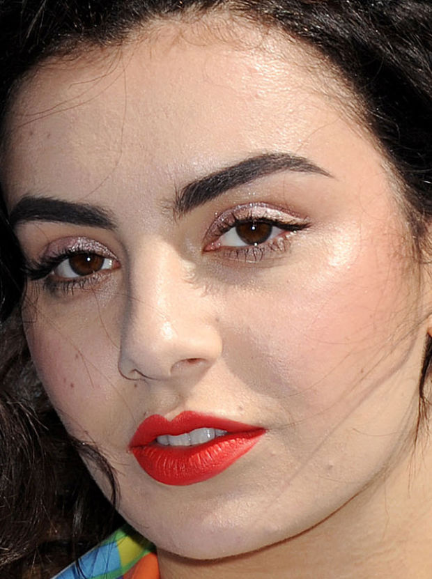 Close-up of Charli XCX at the 2015 MTV Movie Awards.