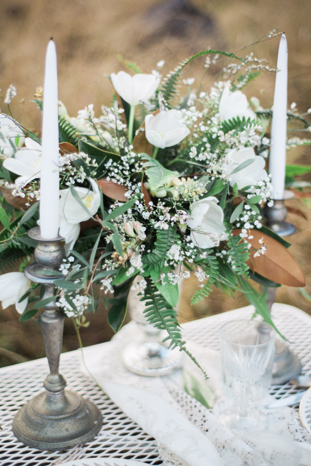 White tulip centerpiece | Just B Photography | see more on: http://burnettsboards.com/2015/04/earthy-mountain-elopement-hawaii/