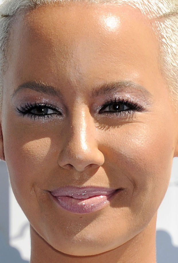 Close-up of Amber Rose at the 2015 MTV Movie Awards.