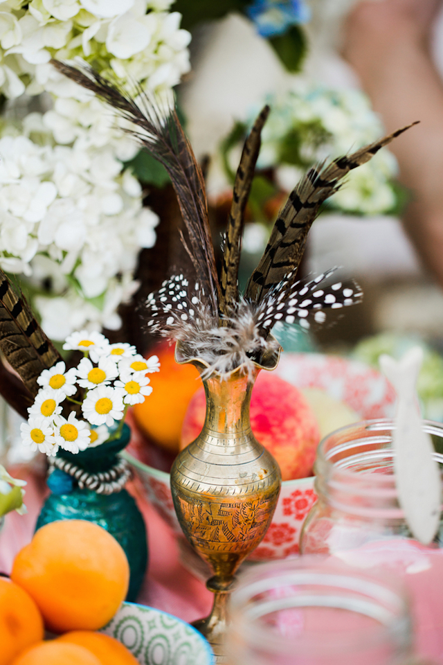 Feathers in a brass vase | Hilary Cam Photography | see more on: http://burnettsboards.com/2015/04/diy-bohemian-love-tent/