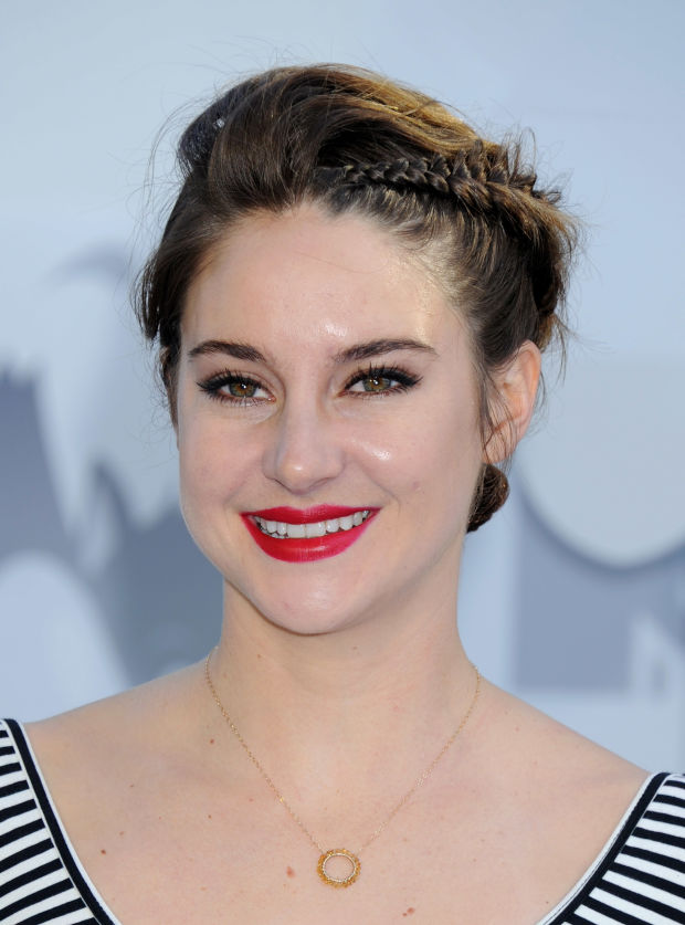 Shailene Woodley at the 2015 MTV Movie Awards.