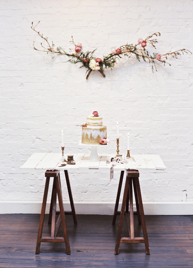 Rustic cake table | Loblee Photography | see more on: http://burnettsboards.com/2015/04/feminine-rustic-botanical-wedding/
