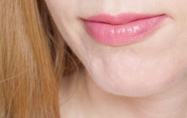 Burt's Bees Lip Crayon in Carolina Coast.