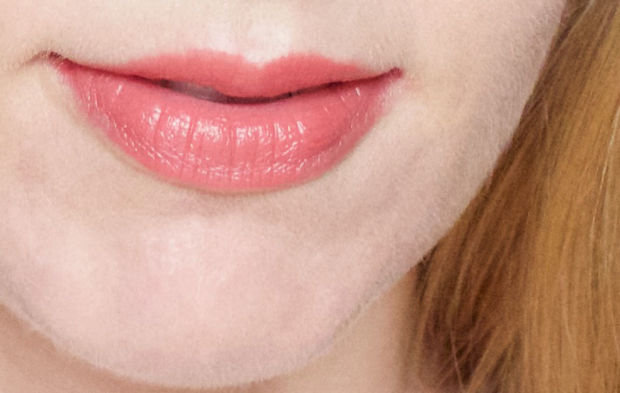 Burt's Bees Lip Crayon in Niagara Overlook.