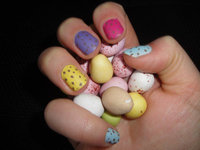 Easter-Egg-Nail-Art-Mini-Eggs-Cadbury-Matte-5