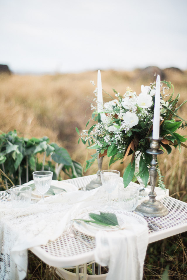 Organic tablescape | Just B Photography | see more on: http://burnettsboards.com/2015/04/earthy-mountain-elopement-hawaii/