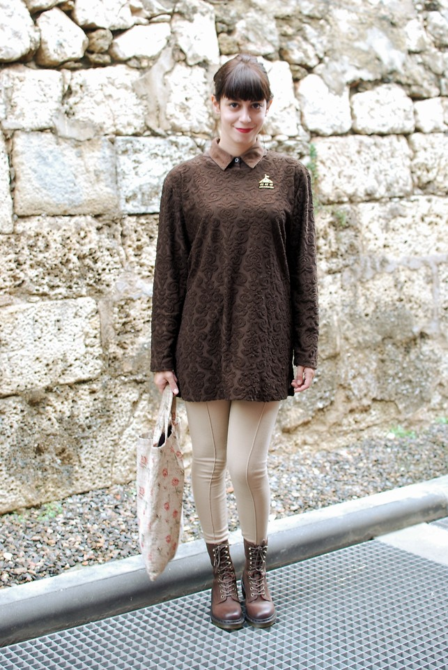 brown tunic and leggings