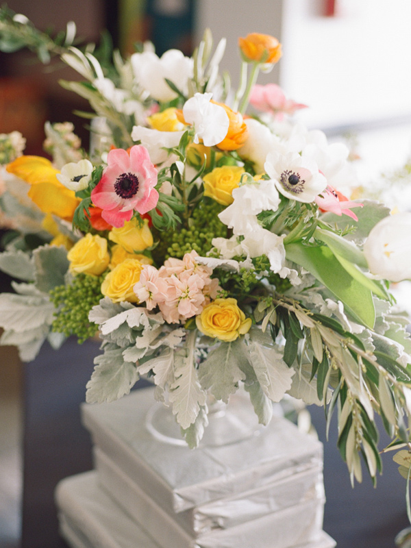 floral arrangement with anemone - photo by JD3 Photography http://ruffledblog.com/party-city-wedding-in-atlanta