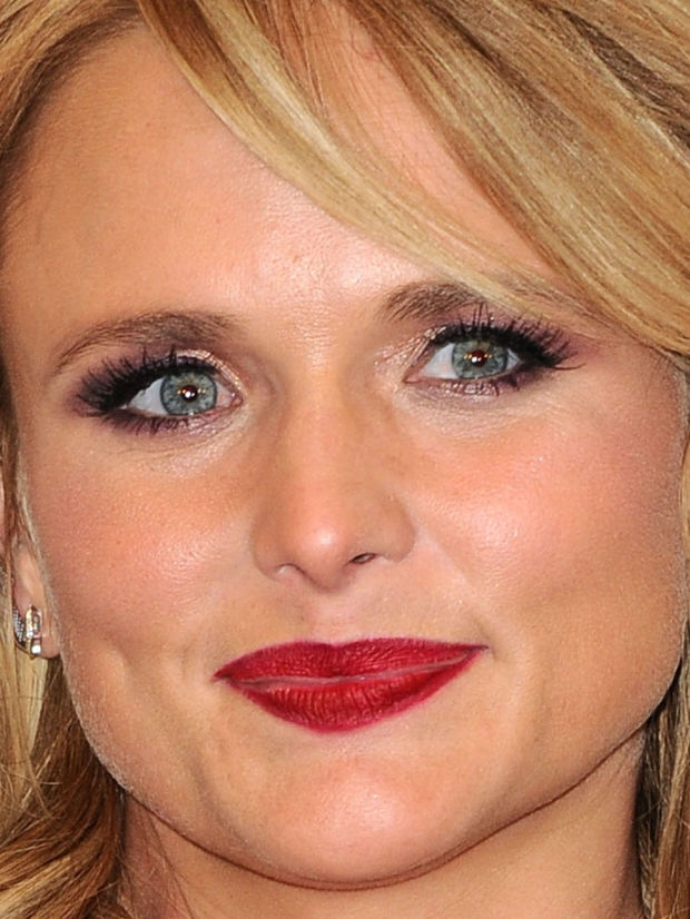 Close-up of Miranda Lambert at the 2015 ACM Awards.