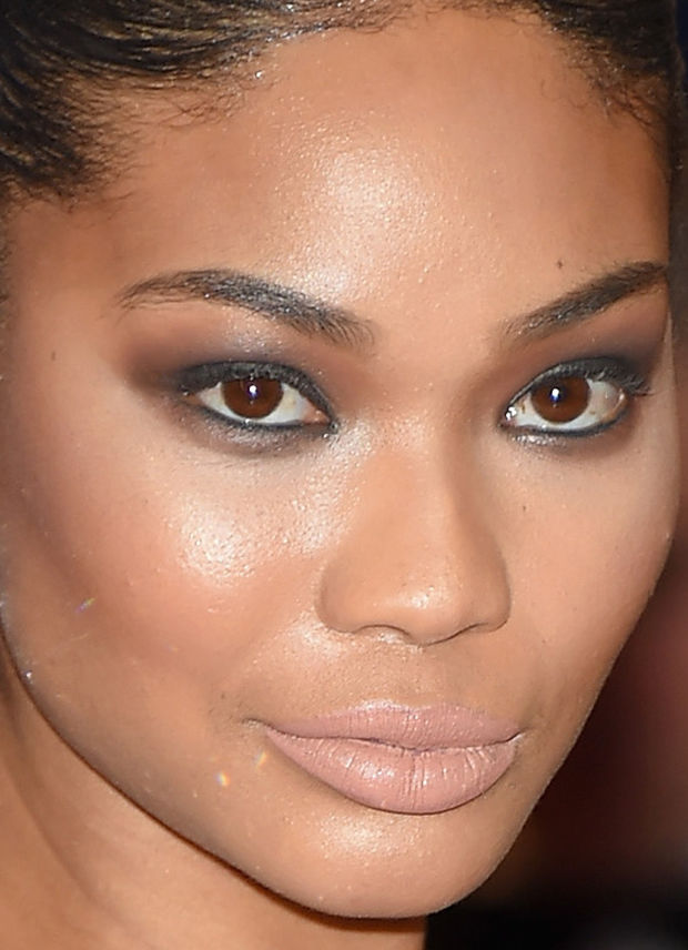 Close-up of Chanel Iman at the 2015 White House Correspondents' Dinner.