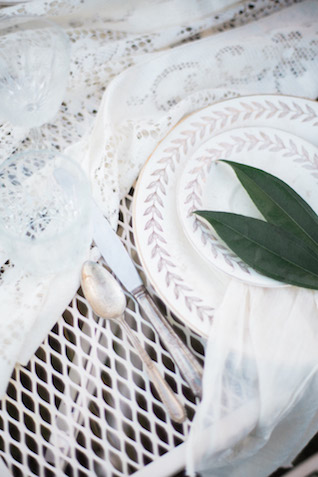 Wedding place setting | Just B Photography | see more on: http://burnettsboards.com/2015/04/earthy-mountain-elopement-hawaii/