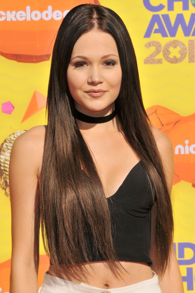 Kelli Berglund at the 2015 Kids' Choice Awards.