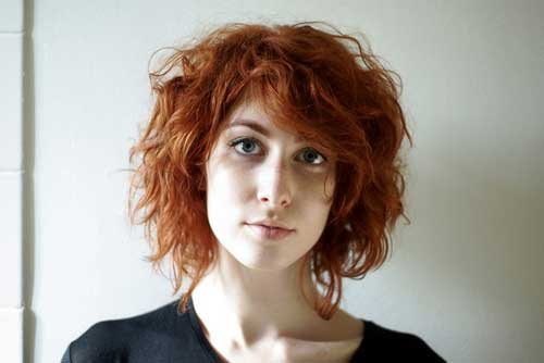 Cute Ginger Wavy Hair with Side Bangs