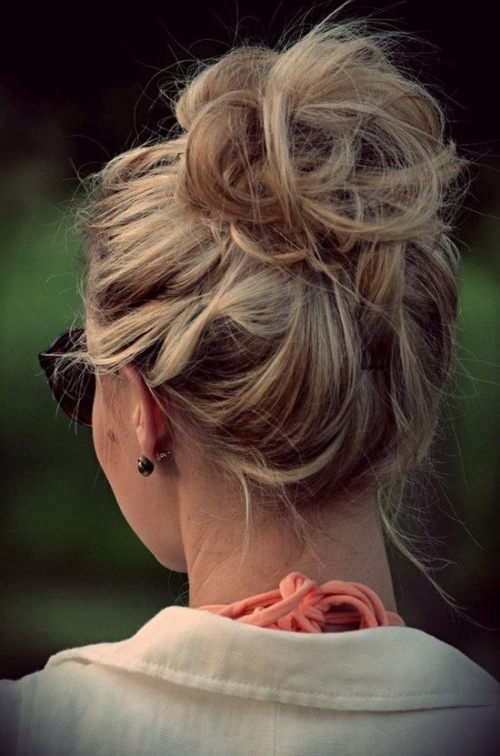pretty messy bun