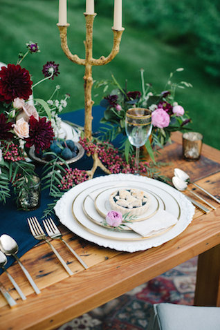 Navy, burgundy, and white tablescape | IYQ Photography | see more on: http://burnettsboards.com/2015/04/earthy-vibrant-wedding-editorial/