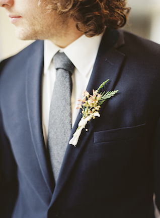 Boutonniere | Loblee Photography | see more on: http://burnettsboards.com/2015/04/feminine-rustic-botanical-wedding/