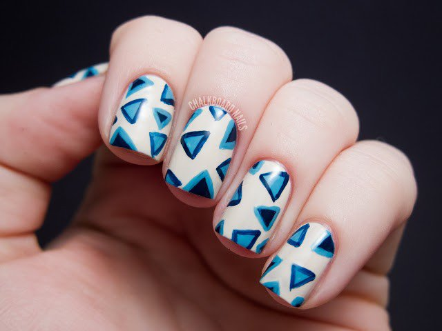 opi_eurocentrale_triangles3