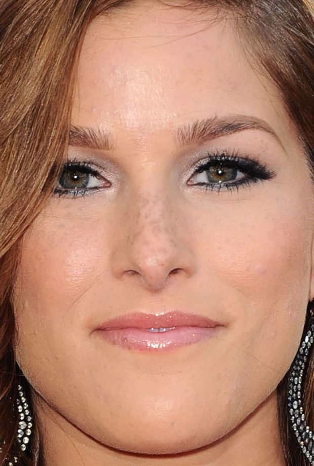Close-up of Cassadee Pope at the 2015 ACM Awards.