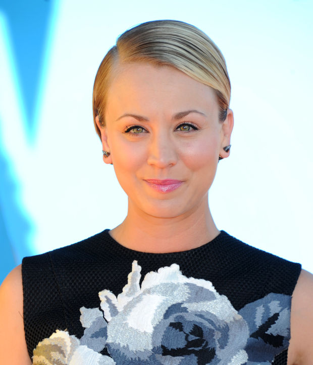 Kaley Cuoco at the 2015 Kids' Choice Awards.