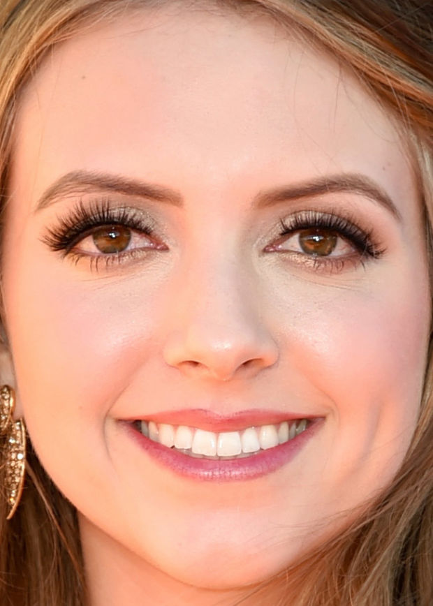 Close-up of Olivia Somerlyn at the 2015 Kids' Choice Awards.