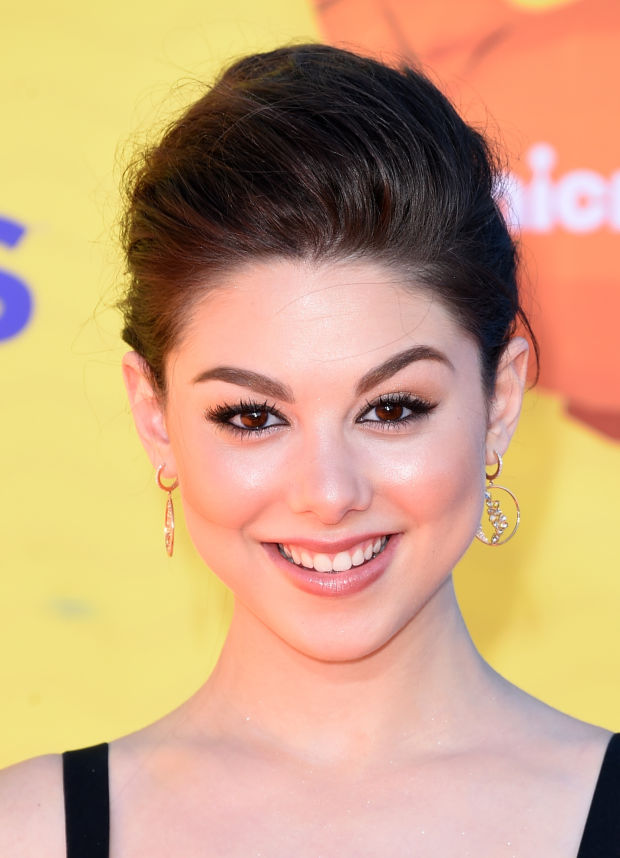 Kira Kosarin at the 2015 Kids' Choice Awards.