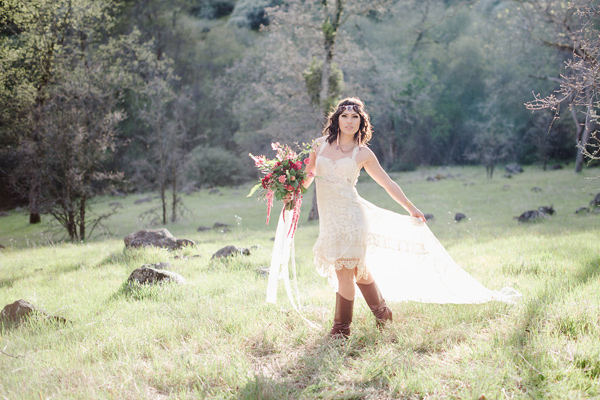 eco-friendly California wedding with marsala - photo by Shannon Rosan Photography http://ruffledblog.com/eco-friendly-california-wedding-with-marsala