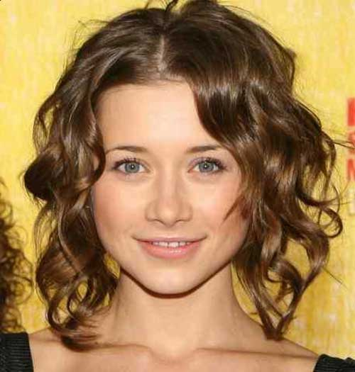 Cute Short Beachy Wavy Hair Style 2015