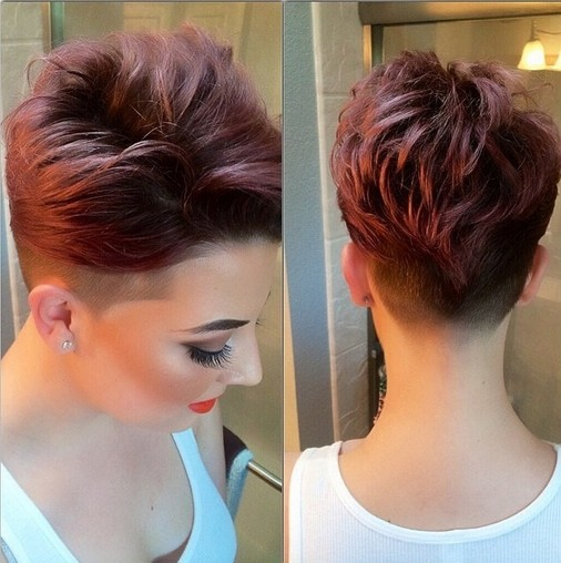 Trendy Short Wavy Hairstyle