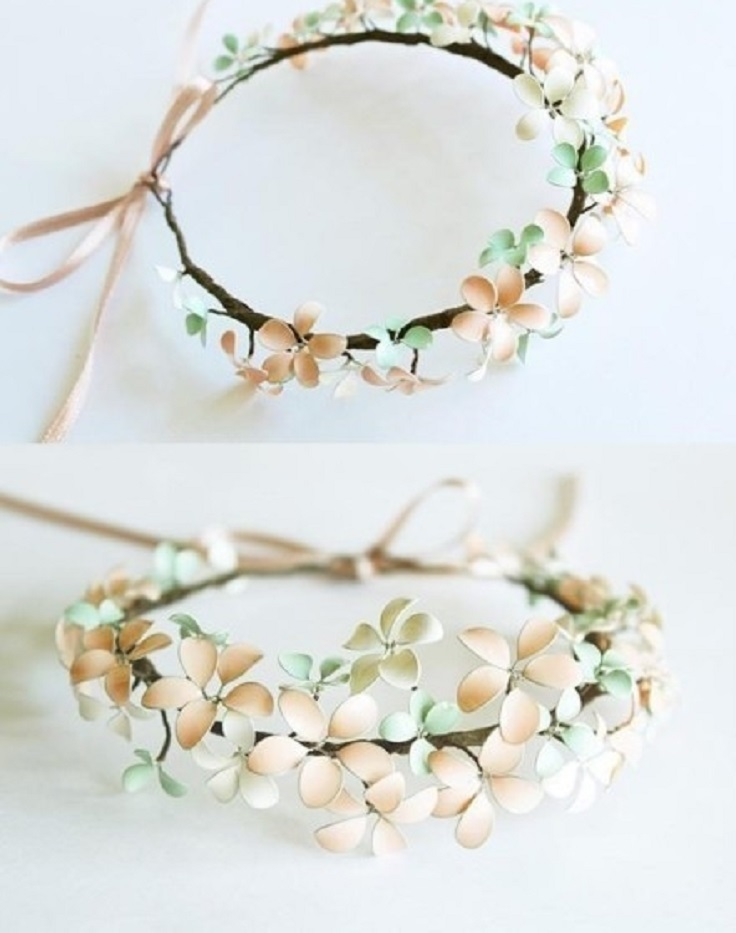 2-Diy-Gifts-You-Can-Make-In-Less-Than-An-Hour-flower-crown-bracelet