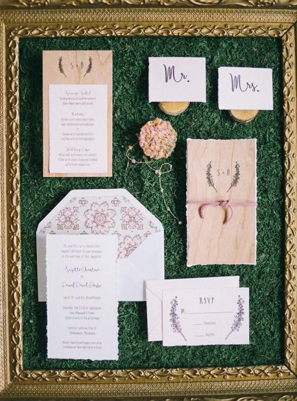 romantic rustic invitations - photo by Jaimee Morse http://ruffledblog.com/woodland-romance-wedding