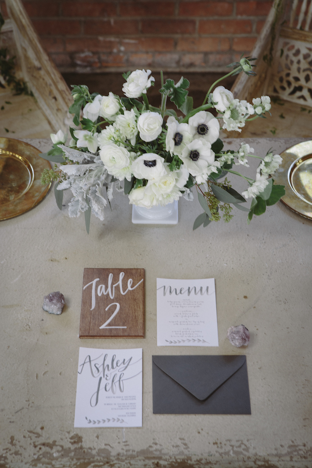 Grey watercolor wedding invitations | Mike Rose Photography | see more on: http://burnettsboards.com/2015/05/urban-spring/