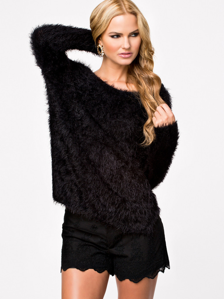 Racerback placketing long-sleeve pullover knitted sweater