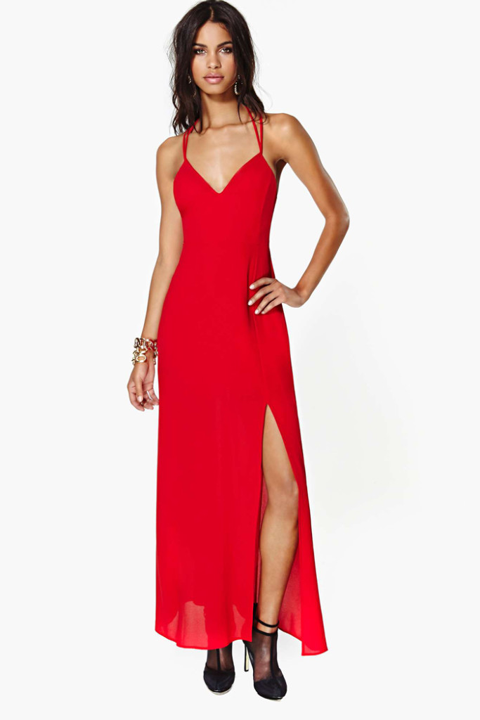 Red chiffon halter-neck placketing dress