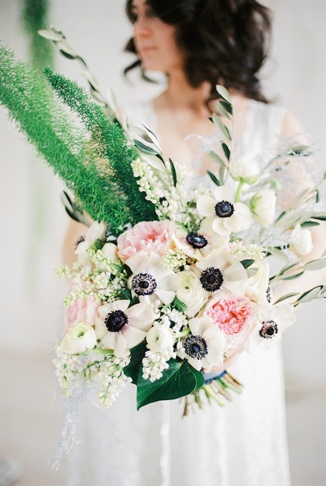 Anemone bridal bouquet | Maria Levitska | see more on: http://burnettsboards.com/2015/05/cold-sea-shore-stormy-wedding-editorial/