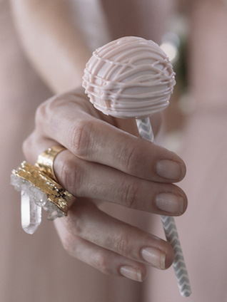 Cake pops | Mike Rose Photography | see more on: http://burnettsboards.com/2015/05/urban-spring/