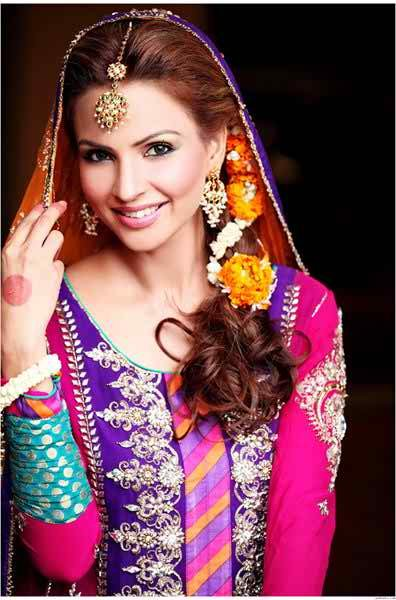 12 Simple Hairstyles For Mehndi Function001