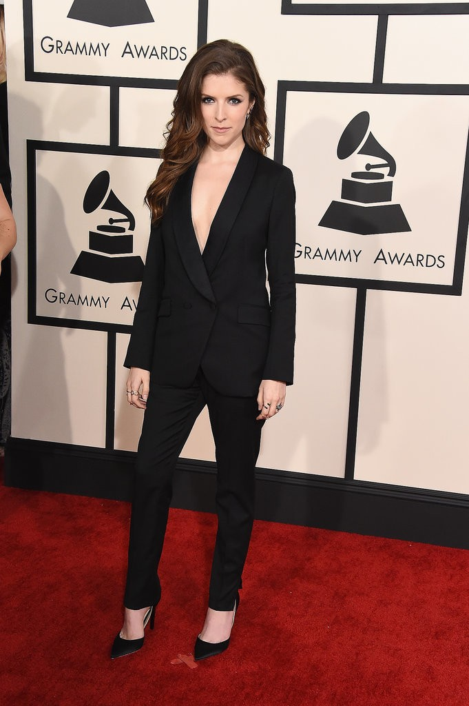 two piece suit anna kendrick